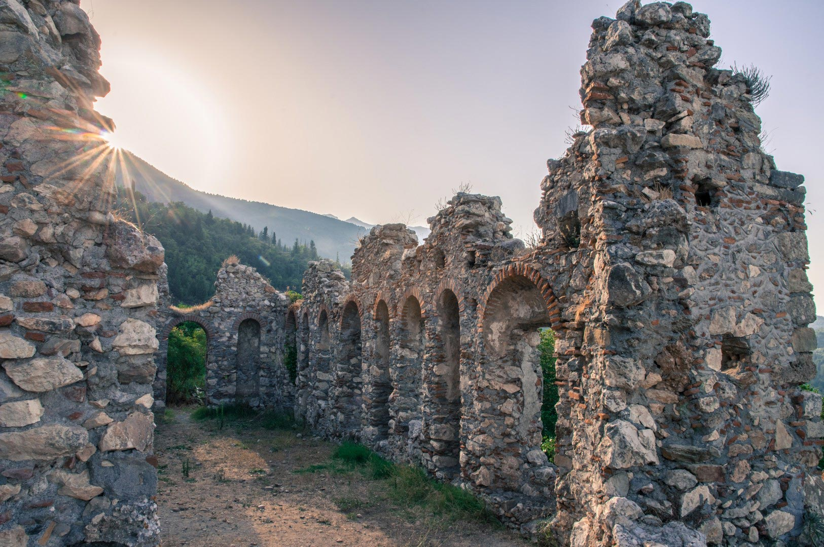 Ghost-town-ruins-in-Mystras,-Greece-shutterstock_700408204
