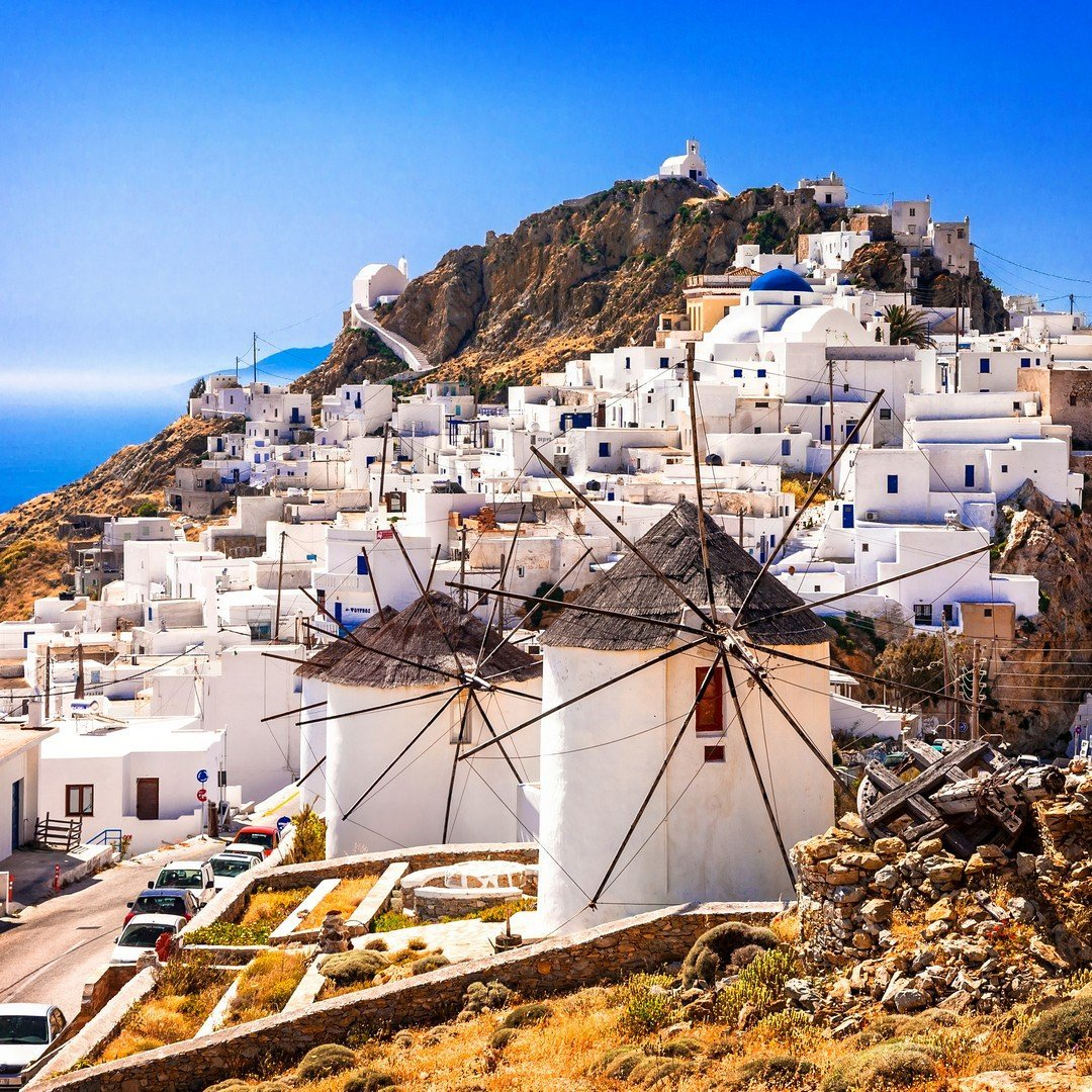 Serifos island, view of Chora village and windmills. Greece, Cyclades - Imagen shutterstock_461756518
