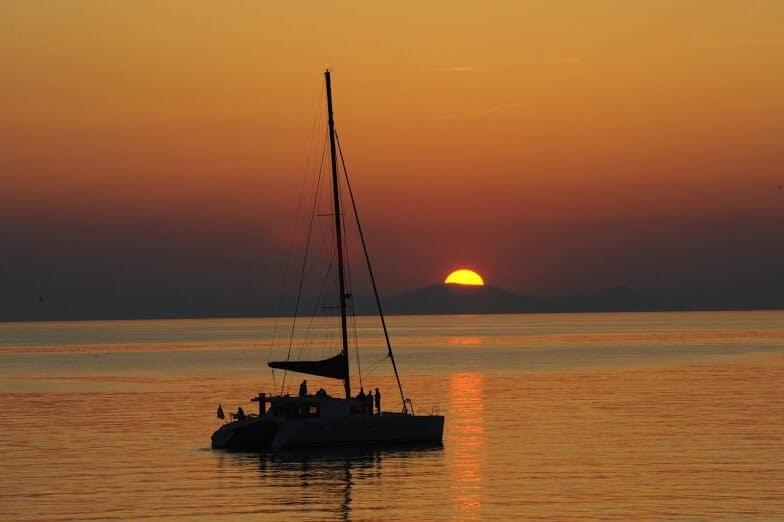 Blue Lagoon Atardecer en velero en Santorini