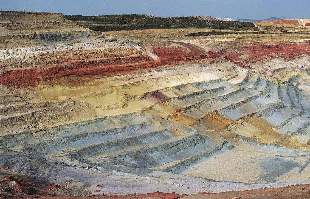milos-island-geological-tour-cyclades-8