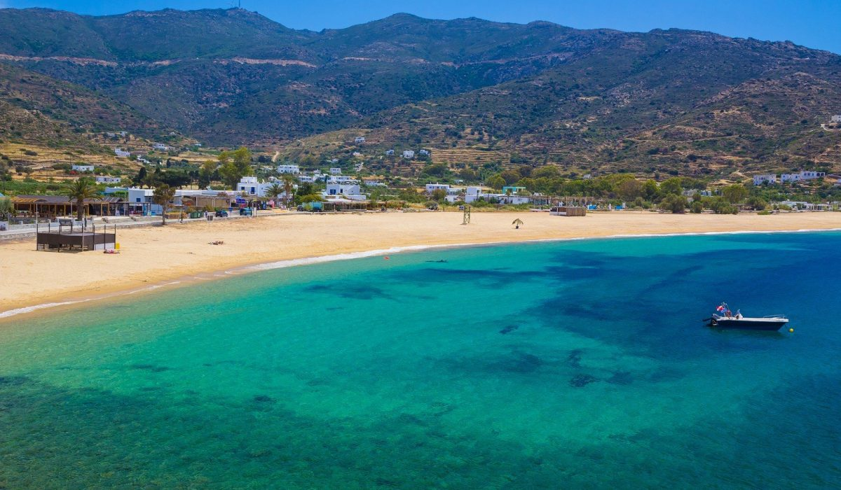 Mylopotas beach, Ios island, Cyclades, Aegean, Greece - Imagen shutterstock_289989347